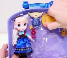 NEW Disney Frozen Mini Elsa Animators Collection + Play Doh Olaf Surprise Egg Toy Doll Unboxing